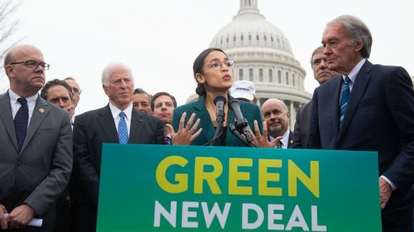 Major union endorses Green New Deal